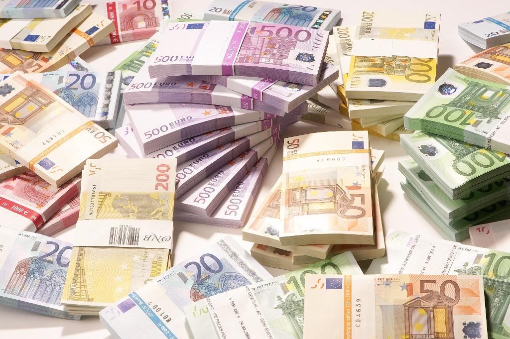 Rozwój na kredyt, czy za obligacje