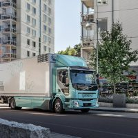 Pierwsze elektryczne auta ciężarowe Volvo już są u klientów