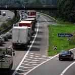Branża transportowa pod presją szuka oszczędności na walutach